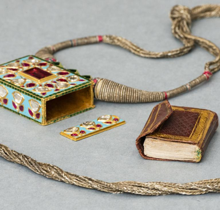 Enameled gold locket with miniature Quran, c.1700.