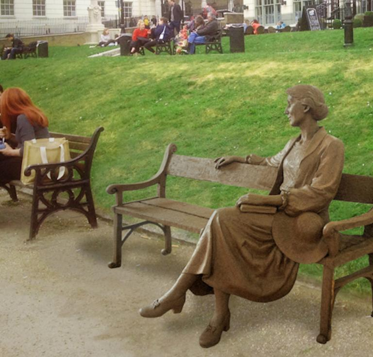 Virginia Woolf statue
