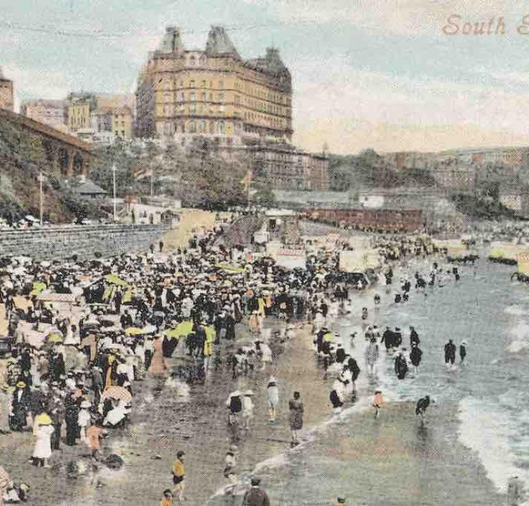 Postcard depicting South Sands at Scarborough, England, in the early 1900s.